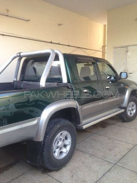 Toyota Hilux Double Cab 2001 Image-3