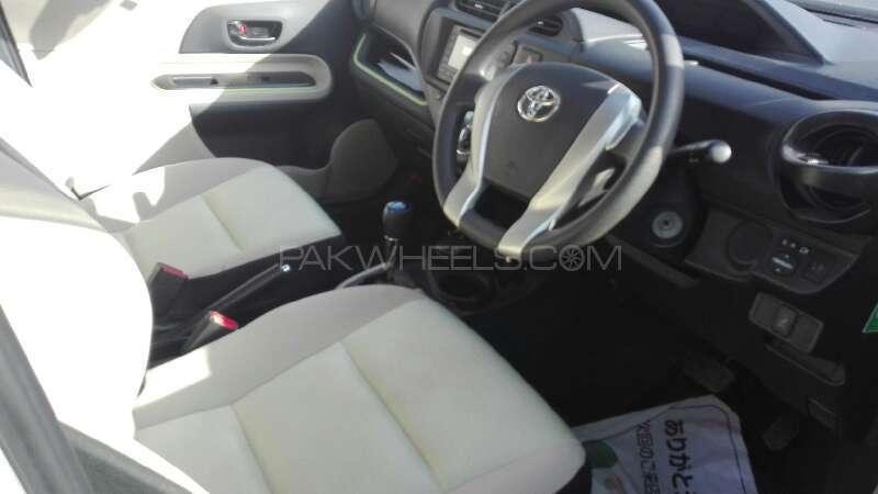 Toyota Aqua 2012 Image-3