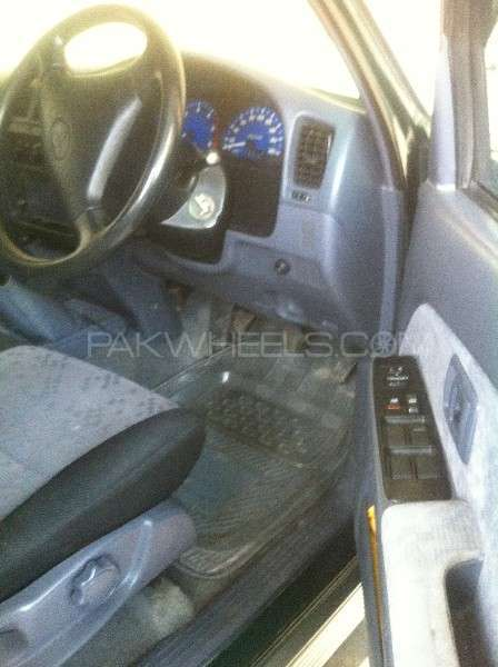 Toyota Hilux Double Cab 2001 Image-7