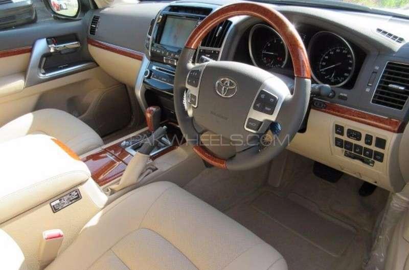 Toyota Land Cruiser ZX 2013 Image-11