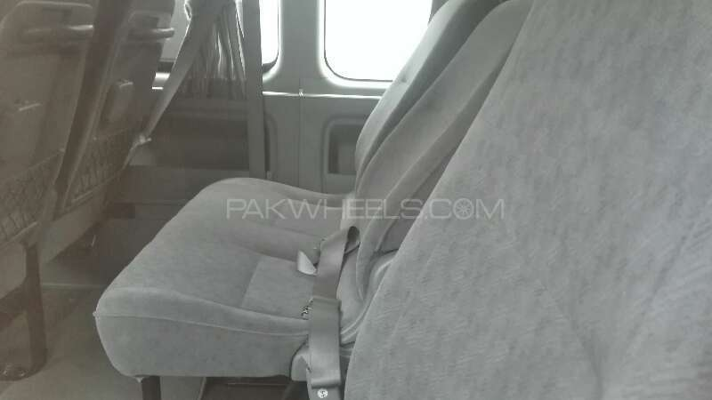 Toyota Hiace 2012 Image-9