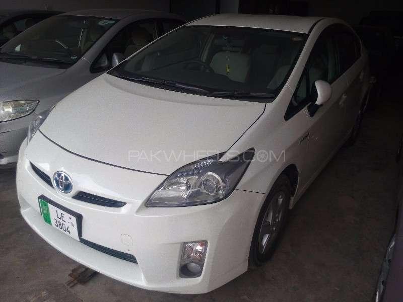Toyota Prius S 1.8 2010 Image-2