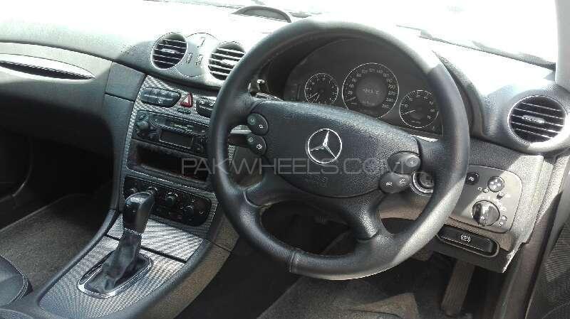 Mercedes Benz CLK Class 2002 Image-4