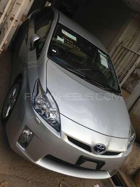 Toyota Prius G Touring Selection 1.8 2011 Image-3
