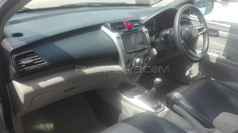 Honda City Aspire 1.3 i-VTEC 2014 Image-2