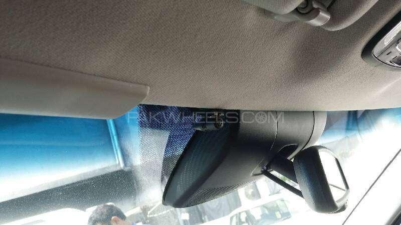 Honda Vezel Hybrid Z 2015 Image-11