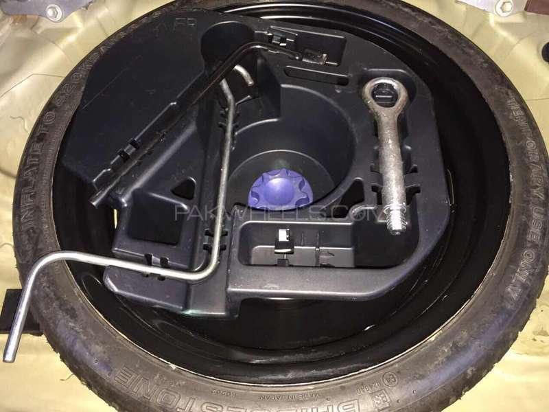 Lexus CT200h F Sport 2011 Image-10