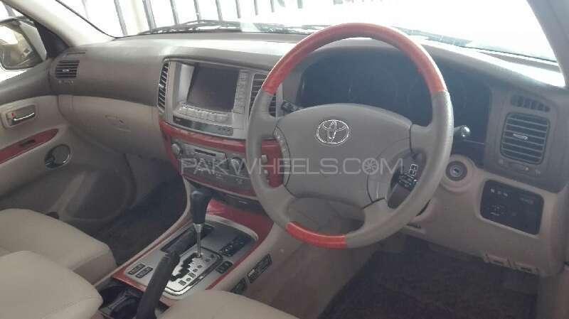 Toyota Land Cruiser Cygnus 2002 Image-11