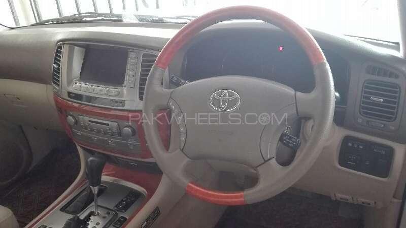 Toyota Land Cruiser Cygnus 2002 Image-13