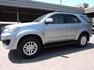 Slide_toyota-fortuner-2-7-automatic-2013-11214229