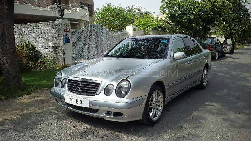 mercedes benz e class e220 cdi 2002 for sale in lahore pakwheels. Black Bedroom Furniture Sets. Home Design Ideas