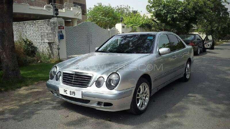Mercedes Benz E Class E220 CDI 2002 Image-1