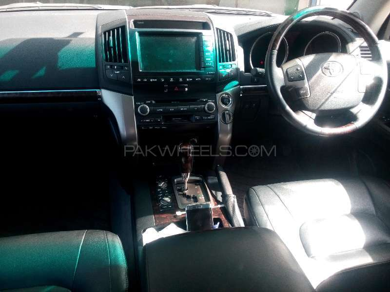Toyota Land Cruiser ZX 60th Black Leather Selection 2011 Image-7