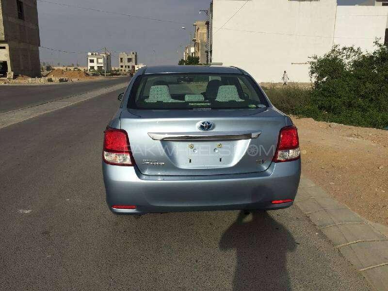 Toyota Corolla Axio Hybrid 1.5 2013 Image-14