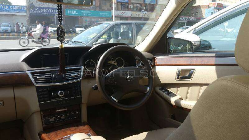 Mercedes Benz E Class E200 2012 Image-5