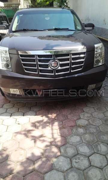 Cadillac Escalade Ext 2012 Image-1