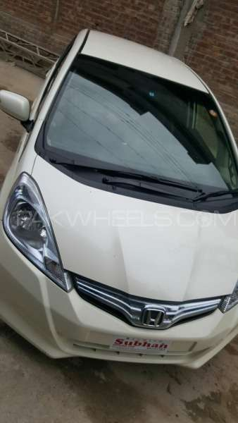 Honda Fit Hybrid 10th Anniversary 2012 Image-1
