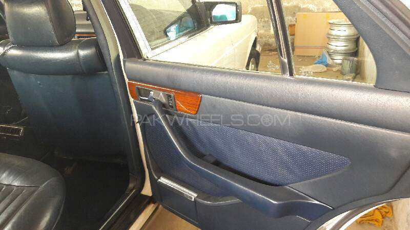 Mercedes Benz S Class 300SE 1988 Image-9