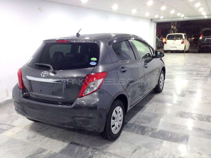Toyota Vitz F Limited 1.0 2013 Image-7