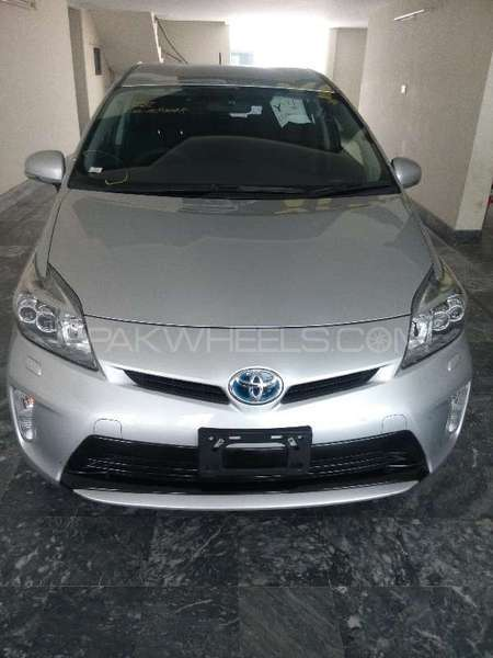 Toyota Prius S Touring Selection 1.8 2013 Image-1