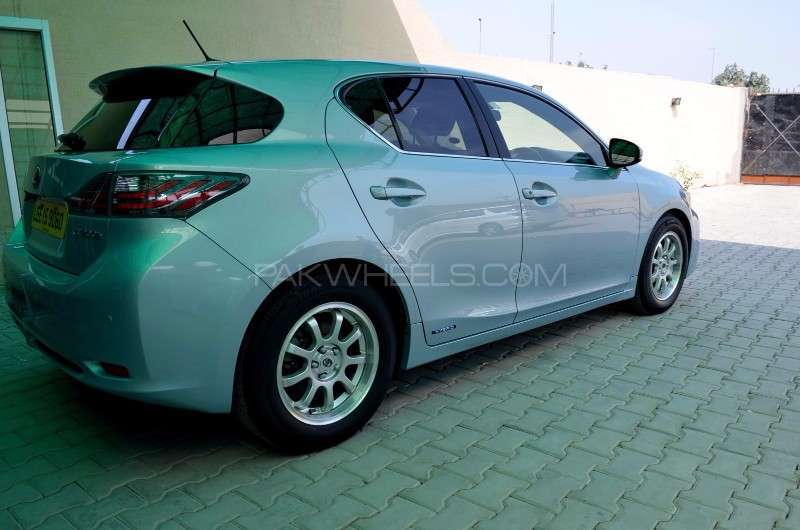 used lexus ct200h f sport 2011 car for sale in lahore 1619268 pakwheels. Black Bedroom Furniture Sets. Home Design Ideas