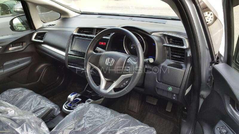 Honda Fit Hybrid Base Grade 1.5 2014 Image-4