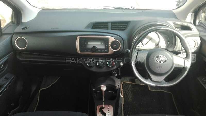 Toyota Vitz 2013 Image-3