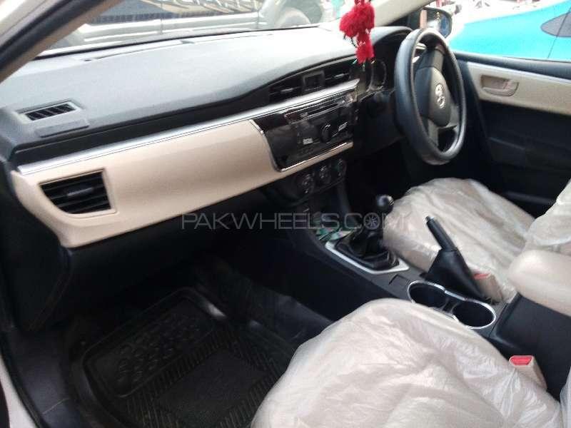 Toyota Corolla XLi VVTi 2015 Image-6