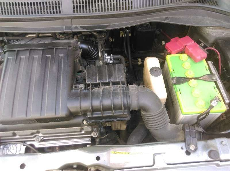 Suzuki Swift DLX 1.3 2011 Image-7
