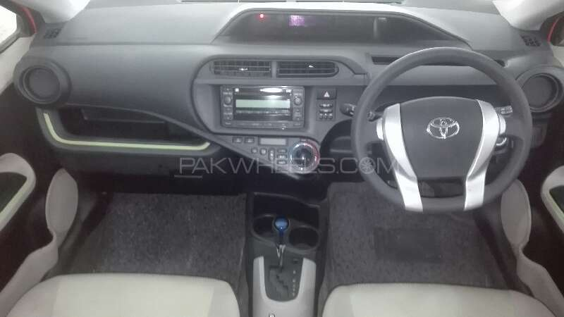 Toyota Aqua S 2013 Image-6