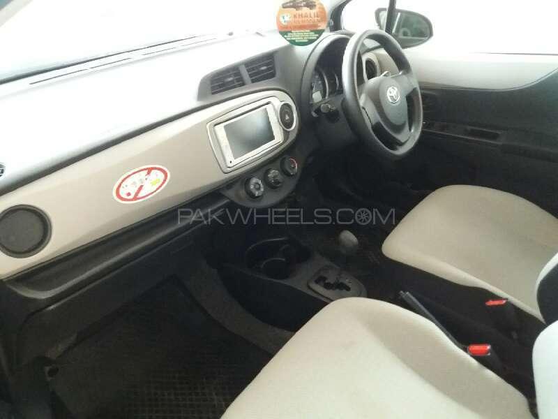 Toyota Vitz F Smile Edition 1.0 2013 Image-7