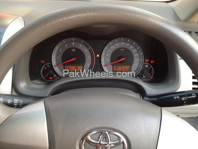 Toyota Corolla Altis SR Cruisetronic 1.8 2010 Image-6