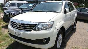 Slide_toyota-fortuner-2-7-automatic-2014-11526546