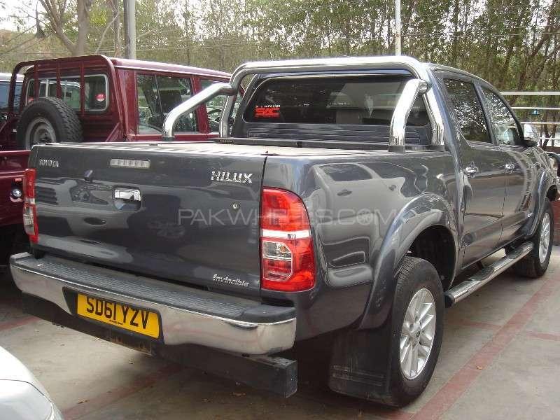 Toyota Hilux Vigo G 2011 Image-7