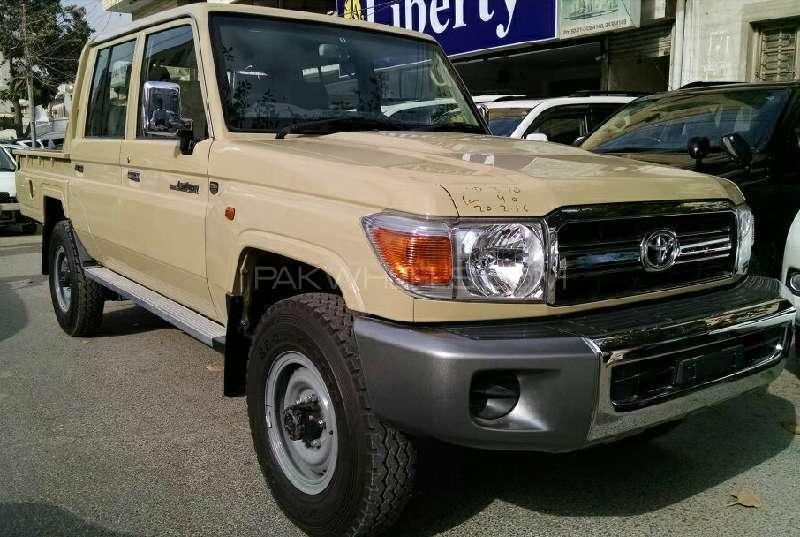 Toyota Land Cruiser 2015 Image-2