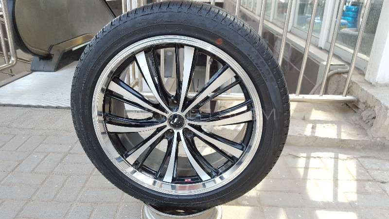 "Leonis Rims 20"" for mark x and crown Image-1"