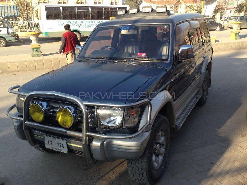 Mitsubishi Pajero 1992 Image-1