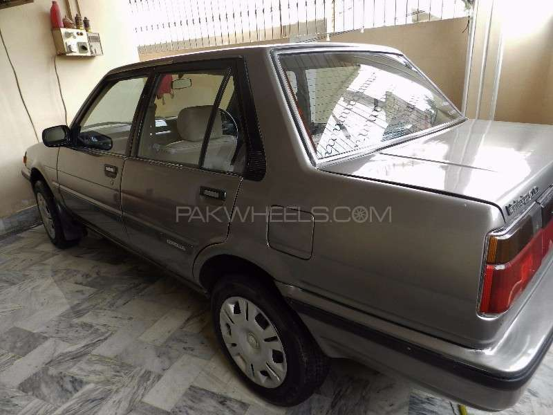 toyota corolla gl saloon 1984 for sale in karachi pakwheels. Black Bedroom Furniture Sets. Home Design Ideas