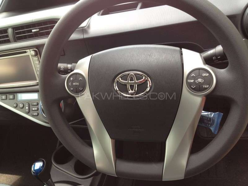 Toyota Aqua,Prius, Multimedia Steering Wheel Switches  Image-1