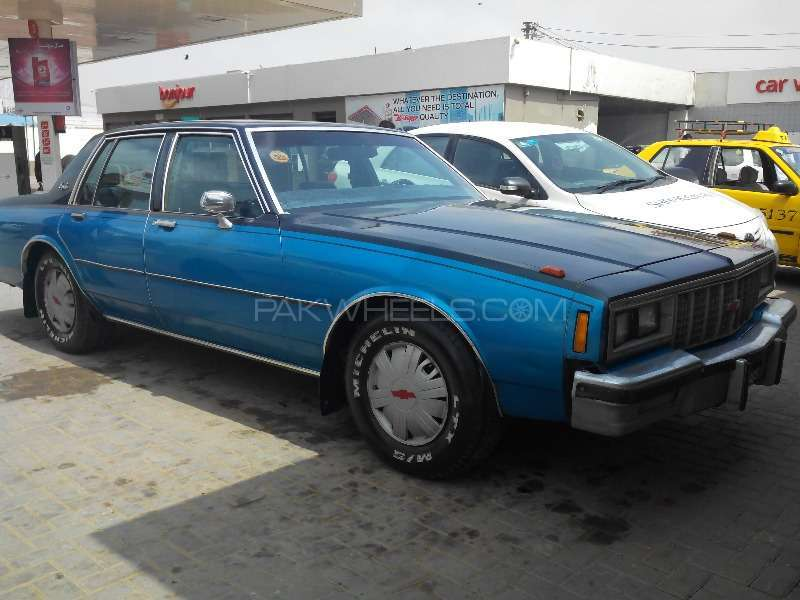 Chevrolet Impala 1982 Image-1