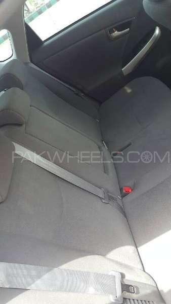 Toyota Prius G Touring Selection 1.8 2011 Image-8