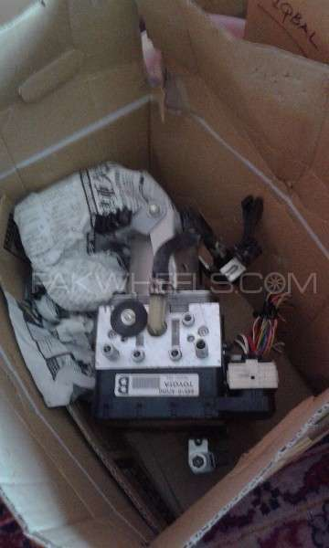 ABS unit for Toyota Prius 1500cc  nhw 20 only 54000km driven Image-1