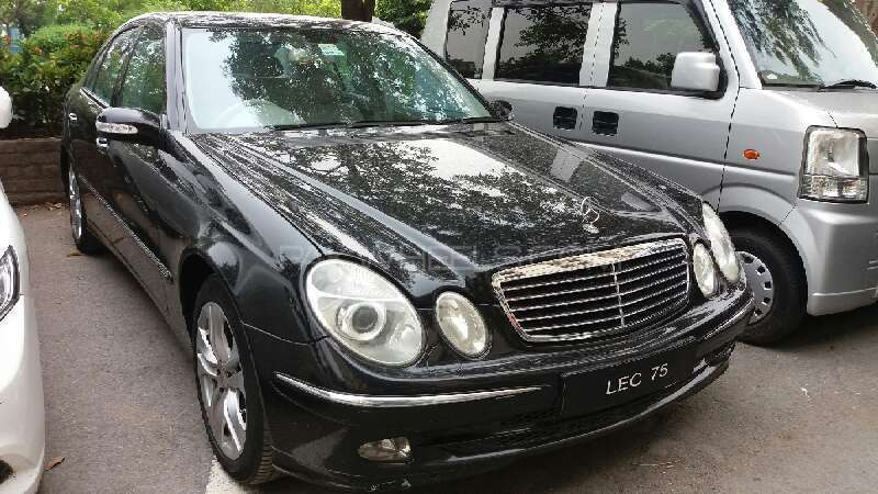 mercedes benz e class e240 2004 for sale in islamabad pakwheels. Black Bedroom Furniture Sets. Home Design Ideas