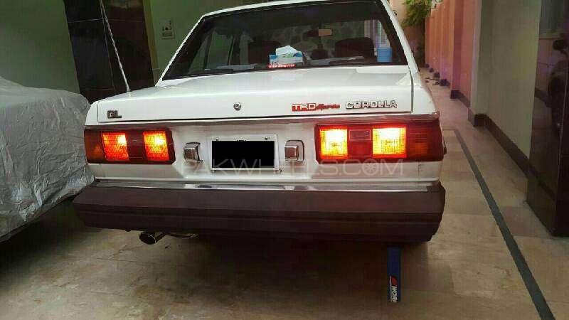 Toyota Corolla GL Saloon 1982 Image-7