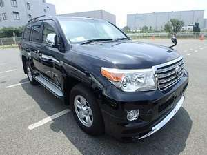 Slide_toyota-land-cruiser-sw-gx-m-t-2013-12497908