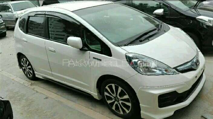 Honda Fit RS 2013 Image-1