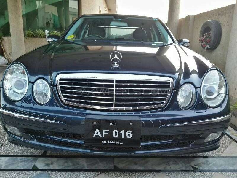 Mercedes Benz E Series 2004 Image-1
