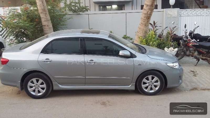 Toyota Corolla Altis SR 1.6 2012 Image-8