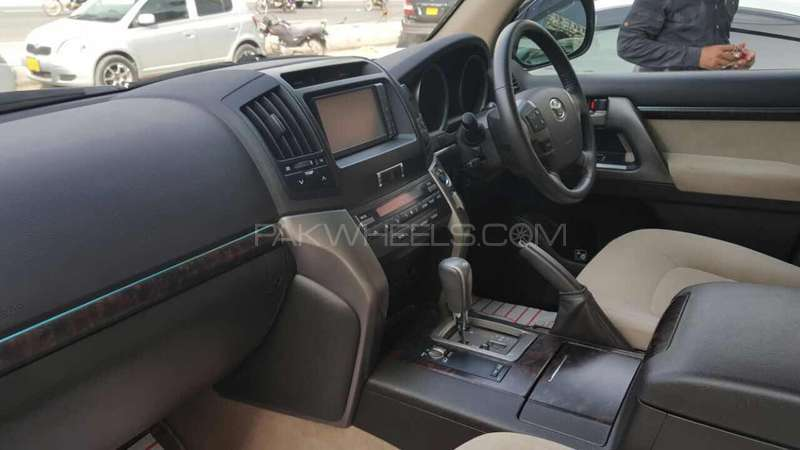Toyota Land Cruiser AX 2011 Image-8