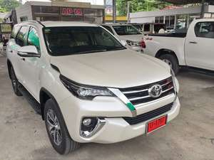 Slide_toyota-fortuner-2016-12679571